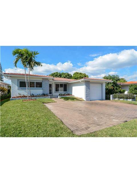9140 Dickens Ave, Surfside, FL 33154