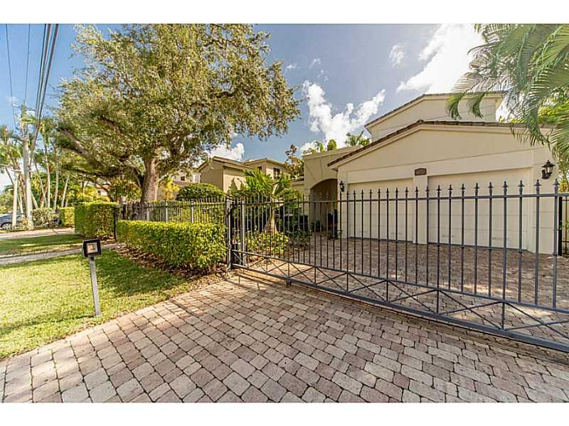 1672 Micanopy Ave, Miami, FL 33133