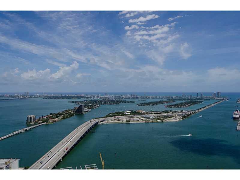 1100 Biscayne Bl # 4002, Miami, FL 33132