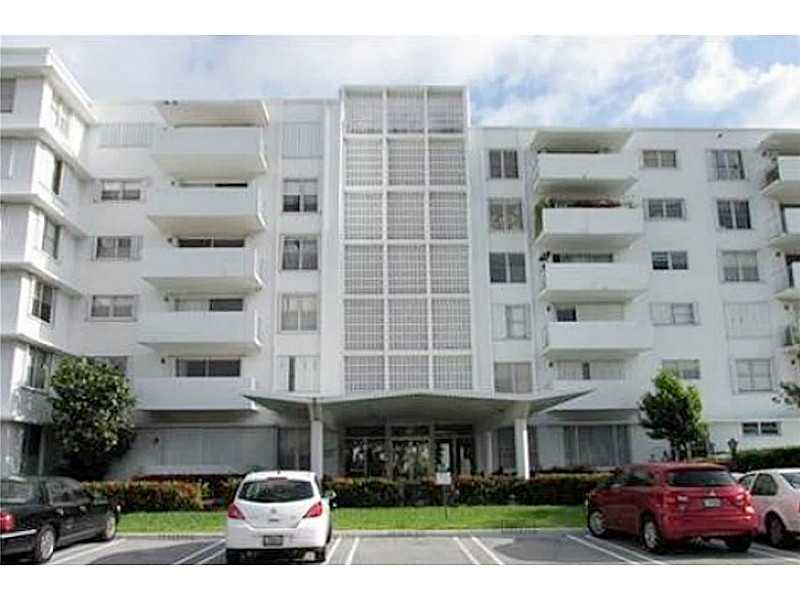 1075 92nd St # 503, Bay Harbor Islands, FL 33154