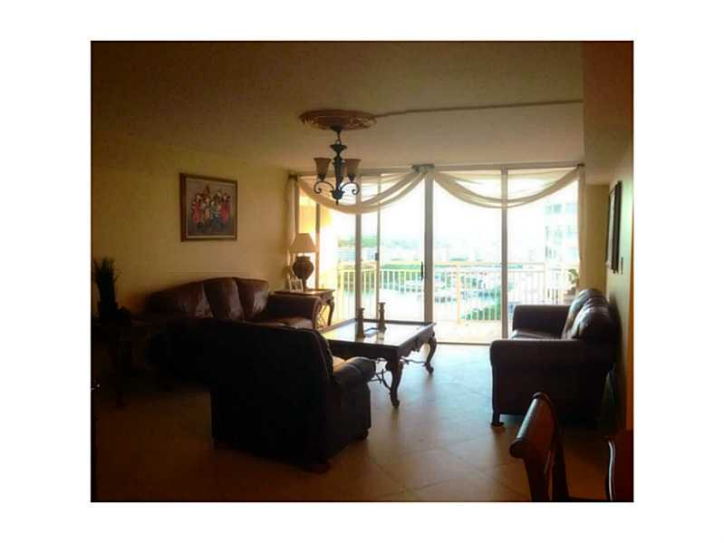 18061 Biscayne Bl # 1104-2, North Miami Beach, FL 33160
