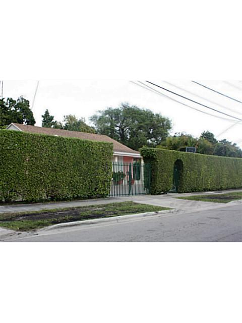 1535 Nw 24th St, Miami, FL 33142