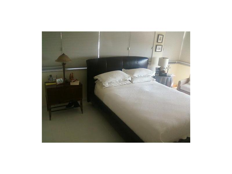 Real Estate for Sale, ListingId: 31396774, Miami Beach,FL33140
