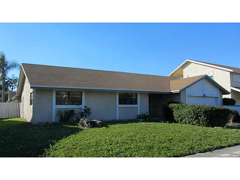 4961 NW 72nd Ave, Lauderhill, FL 33319