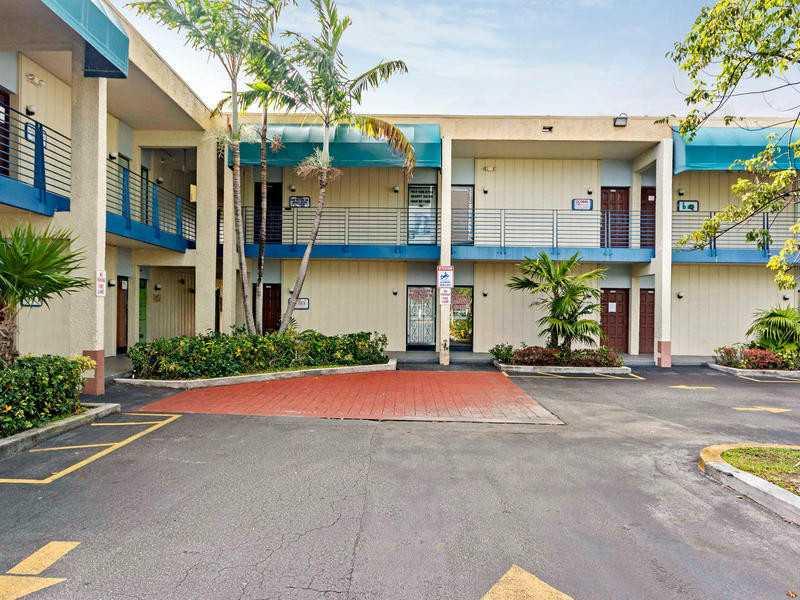 2331 N State Road 7 # 109, Lauderdale Lakes, FL 33313