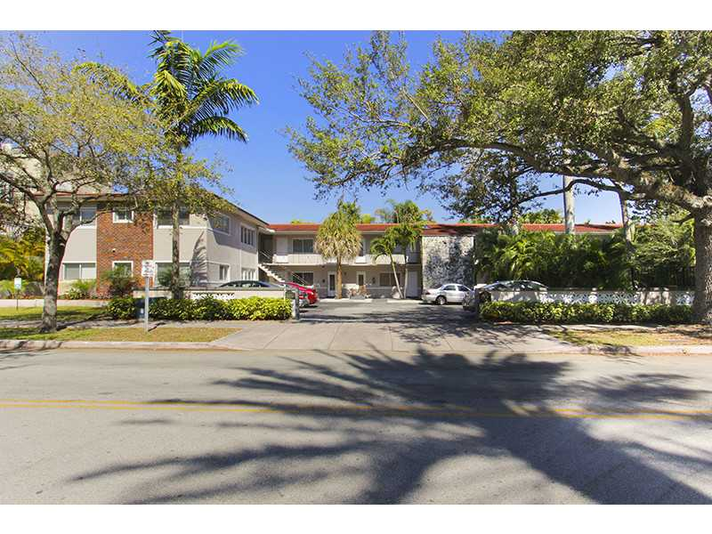 95 Edgewater Dr # 201, Coral Gables, FL 33133