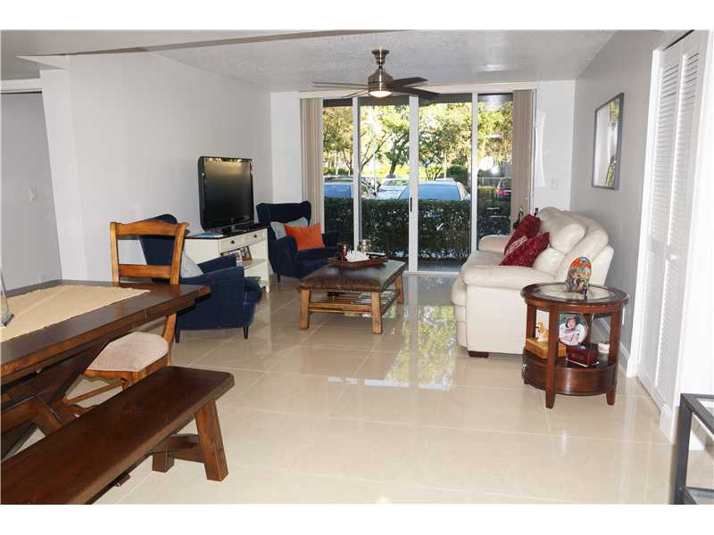 619 E Sheridan St # 101, Dania, FL 33004