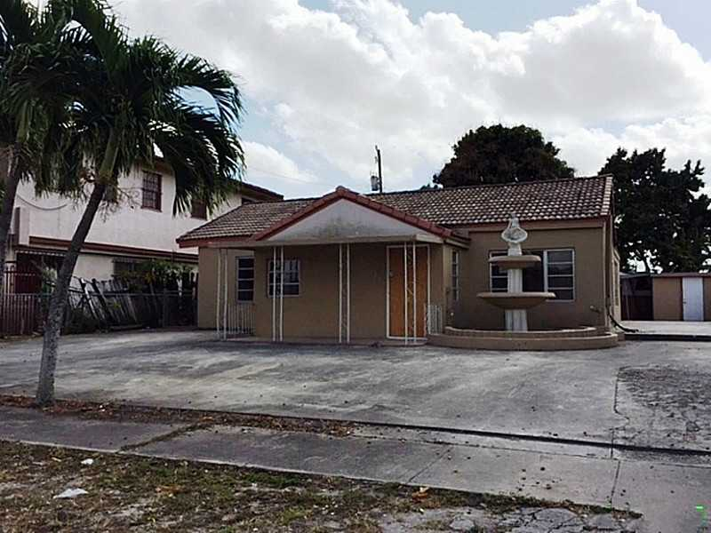 750 SE 5th Pl, Hialeah, FL 33010