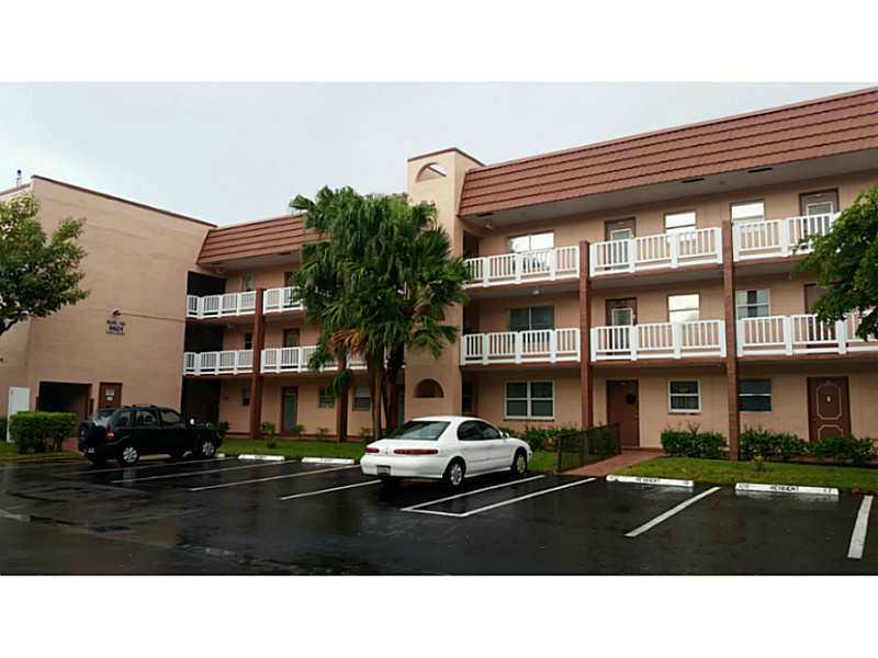 9601 Sunrise Lakes Bl # 107, Fort Lauderdale, FL 33322