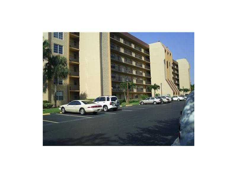 Rental Homes for Rent, ListingId:32144884, location: 3001 W ROLLING HILLS CR Davie 33328