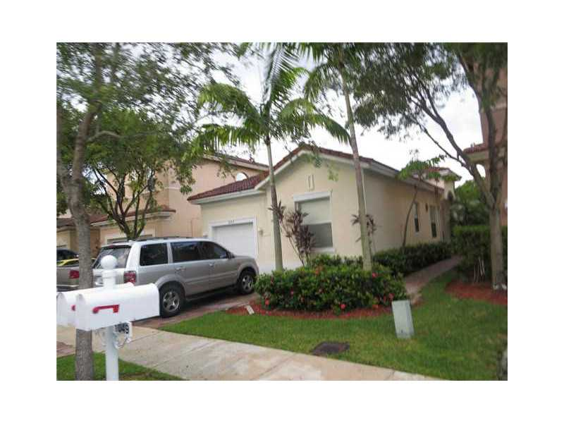 1057 Ne 40th Rd, Homestead, FL 33033
