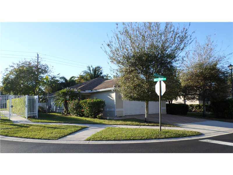 6324 Willoughby Cir, Lake Worth, FL 33463