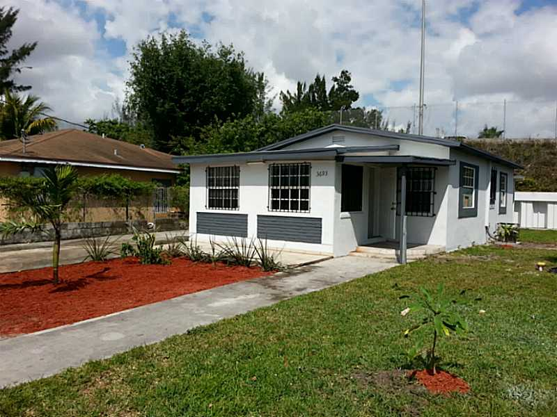 3693 Nw 102nd St, Miami, FL 33147