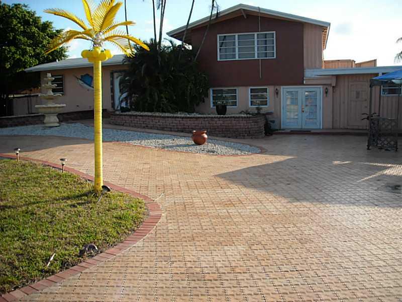 2518 Tortugas Ln, Fort Lauderdale, FL 33312