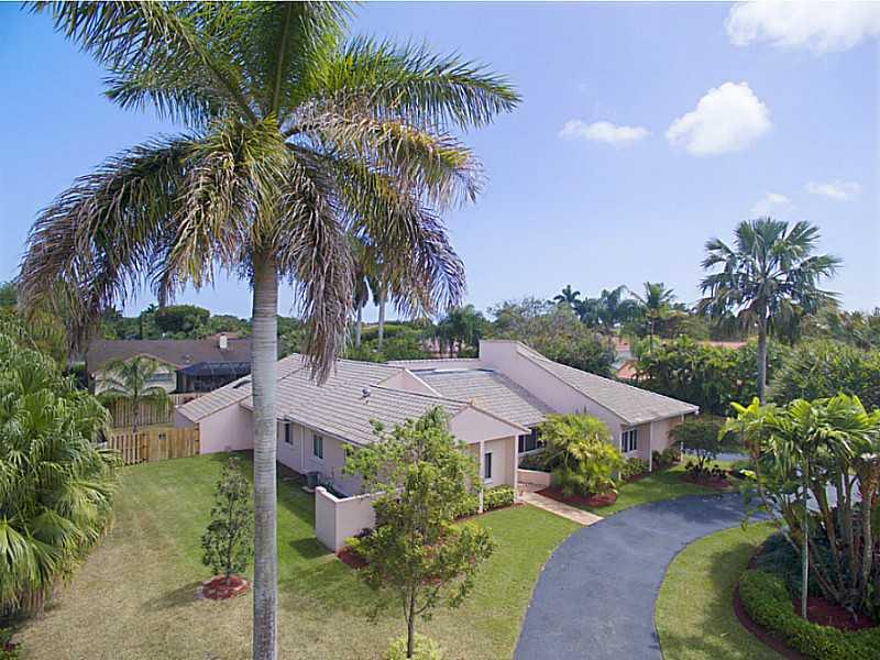10651 SW 76th Ave, Miami, FL 33156