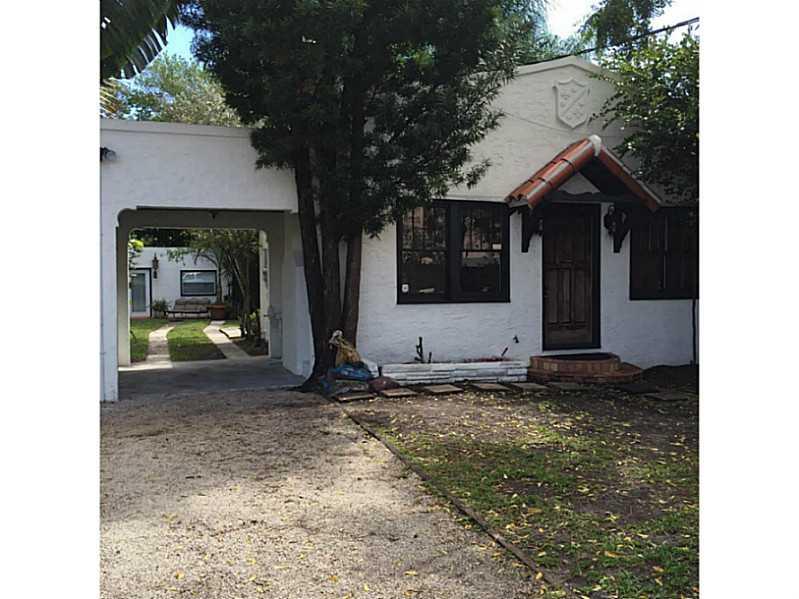 8625 Ne 8th Ct, Miami, FL 33138