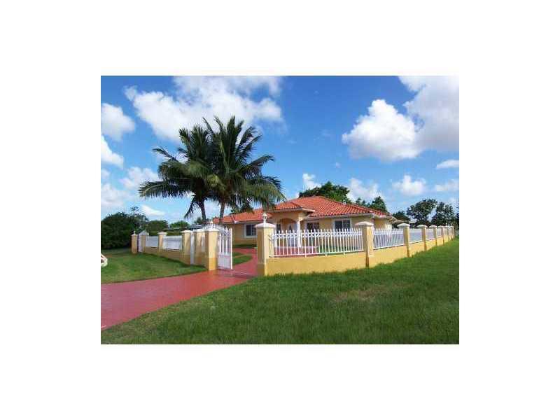 Rental Homes for Rent, ListingId:32283567, location: 9350 SW 42 ST Miami 33165
