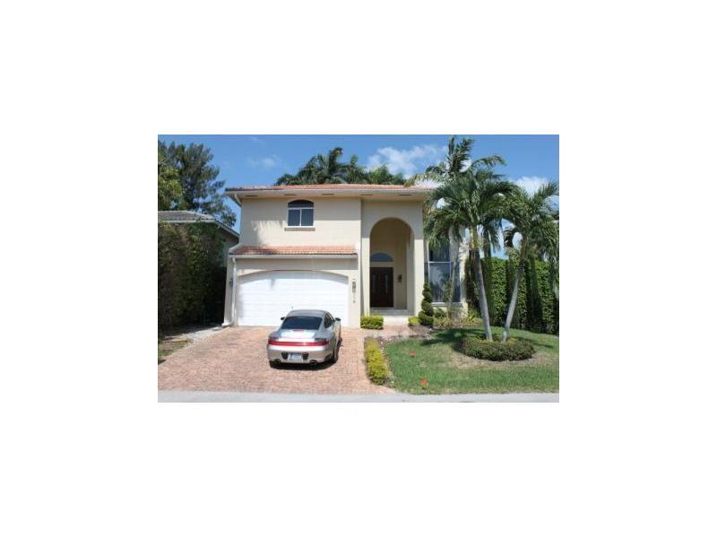 1316 N Venetian Way, Miami Beach, FL 33139