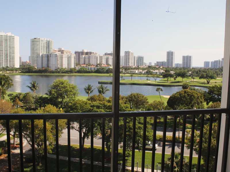 Rental Homes for Rent, ListingId:32333014, location: 3475 N COUNTRY CLUB DR Aventura 33180