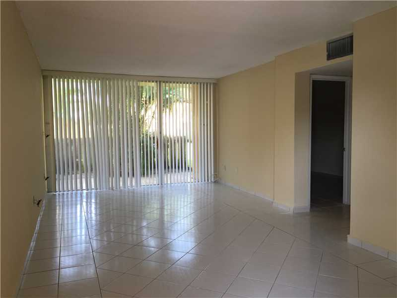 Rental Homes for Rent, ListingId:32448665, location: 110 FONTAINEBLEAU BL Miami 33172