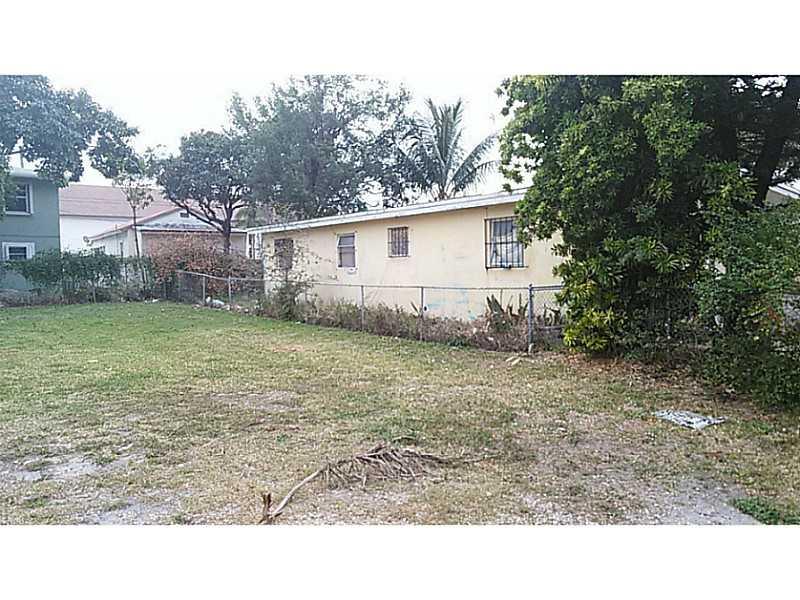 1640 NW 70th St, Miami, FL 33147