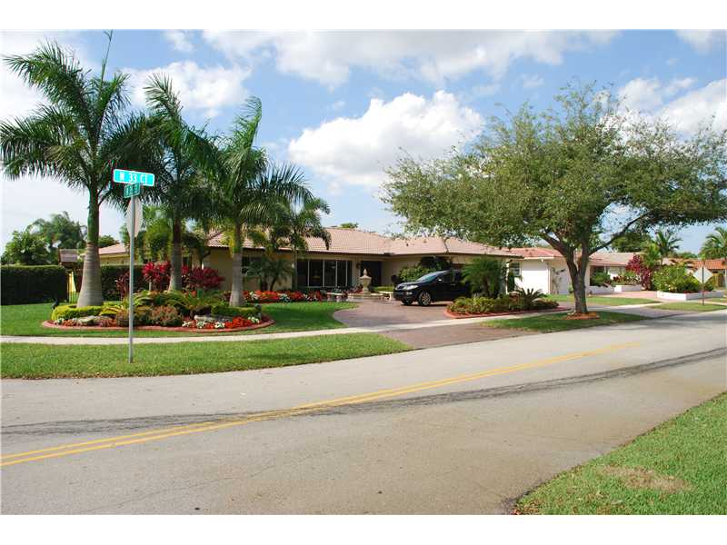 Real Estate for Sale, ListingId: 32524715, Hollywood,FL33021