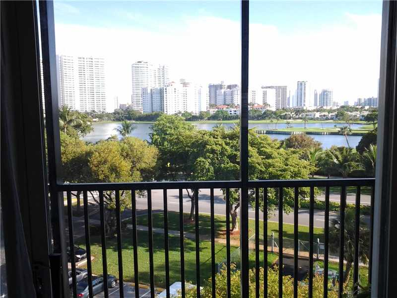 Rental Homes for Rent, ListingId:32540437, location: 3475 North COUNTRY CLUB DR Aventura 33180