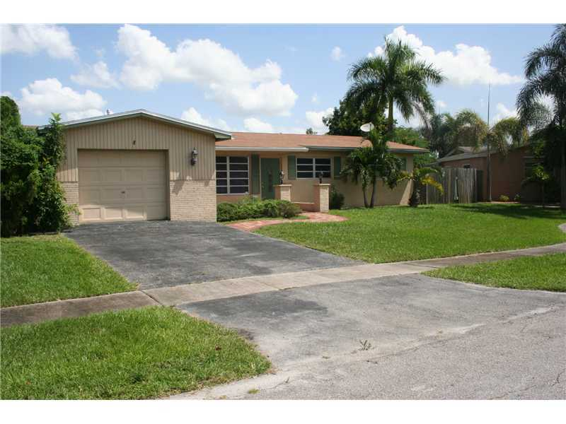 8631 Nw 18th St, Hollywood, FL 33024