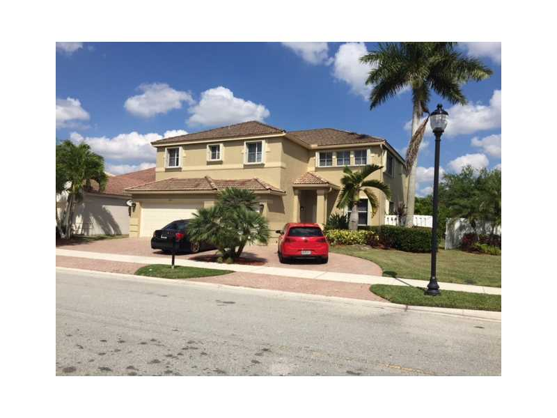 1092 Hidden Valley Way, Fort Lauderdale, FL 33327