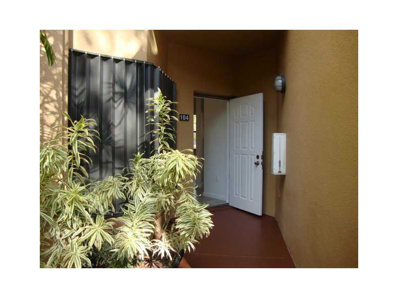 Rental Homes for Rent, ListingId:32611229, location: 15519 MIAMI LAKEWAY Miami Lakes 33014
