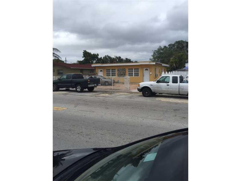 3673 Nw 17th St, Miami, FL 33125