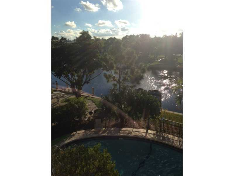 Rental Homes for Rent, ListingId:32654467, location: 455 GOLDEN ISLES DR Hallandale 33009