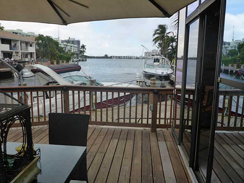 16454 NE 27th Pl, North Miami Beach, FL 33160
