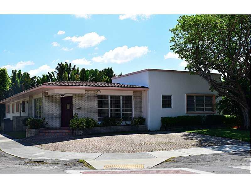 1260 Daytonia Rd, Miami Beach, FL 33141