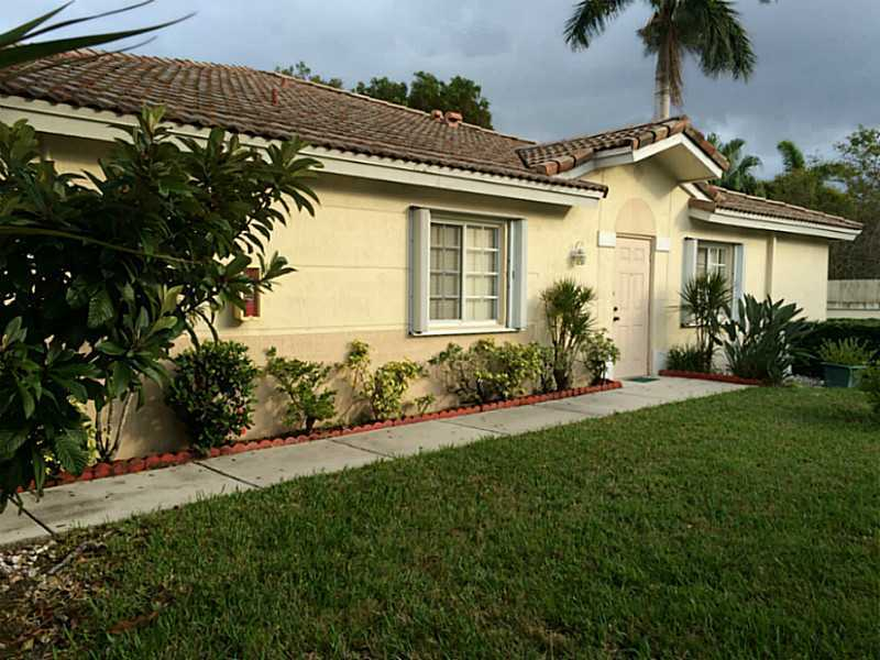 3260 Sw 50th St, Fort Lauderdale, FL 33312
