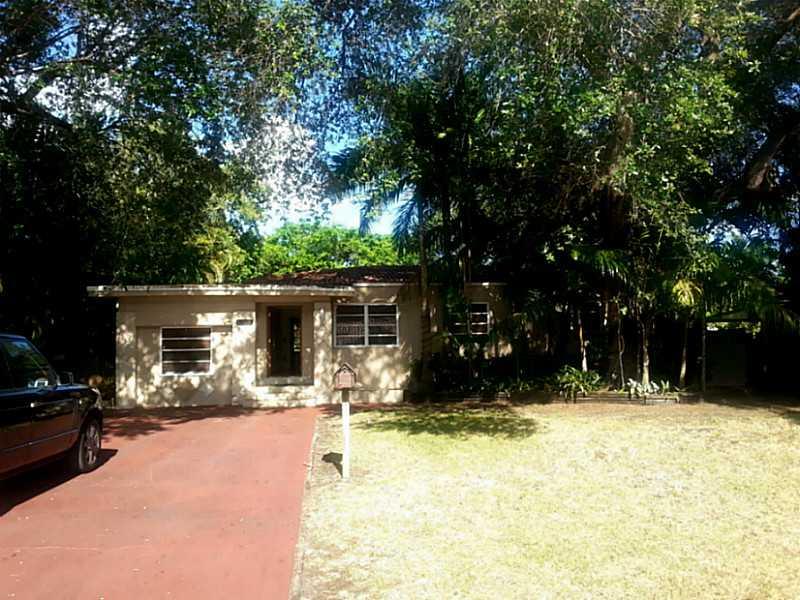 12015 Ne 11th Pl, Biscayne Park, FL 33161