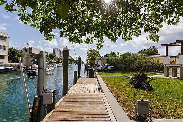 1361 Ne 104th St, Miami Shores, FL 33138