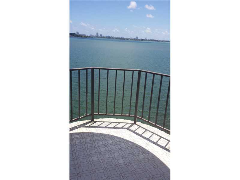 11930 N Bayshore Dr # 504, Miami, FL 33181