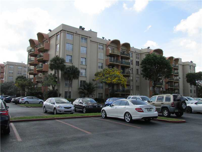 Rental Homes for Rent, ListingId:33017899, location: 9360 FONTAINEBLEAU BL Miami 33172