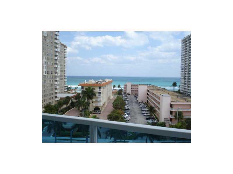 Real Estate for Sale, ListingId: 33105692, Hallandale,FL33009
