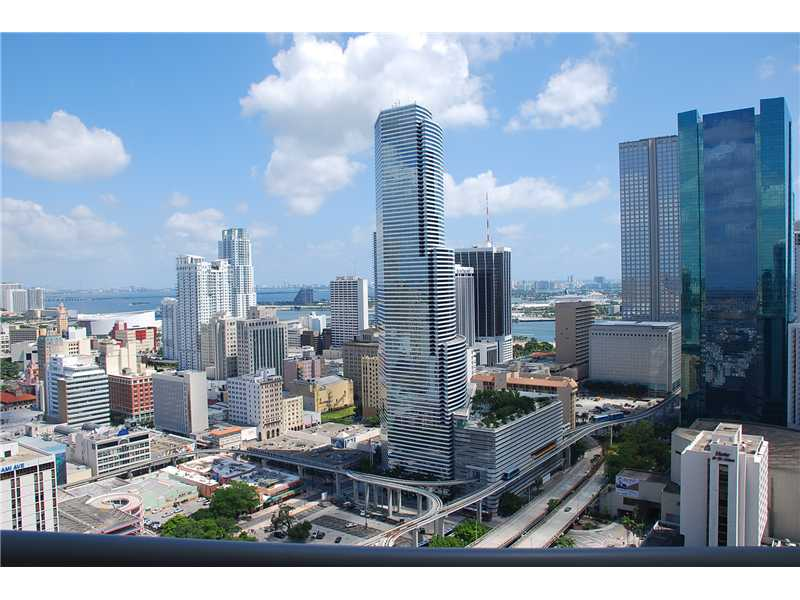Rental Homes for Rent, ListingId:33105513, location: 850 N MIAMI AV Miami 33136