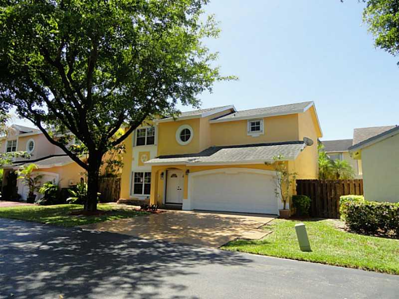 9720 Nw 51st Ln, Miami, FL 33178