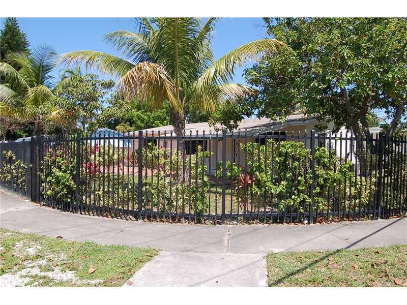 171 Ne 174th St, North Miami Beach, FL 33162