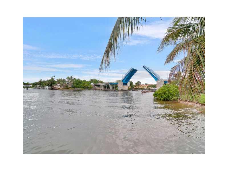 611 E Woolbright Rd, Boynton Beach, FL 33435