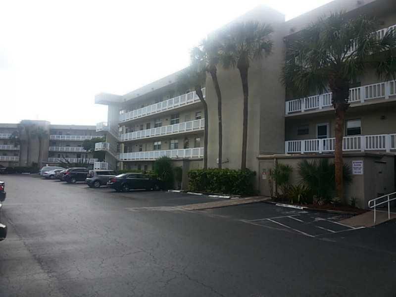 Rental Homes for Rent, ListingId:33270335, location: 113 ROYAL PARK DR Oakland Park 33309
