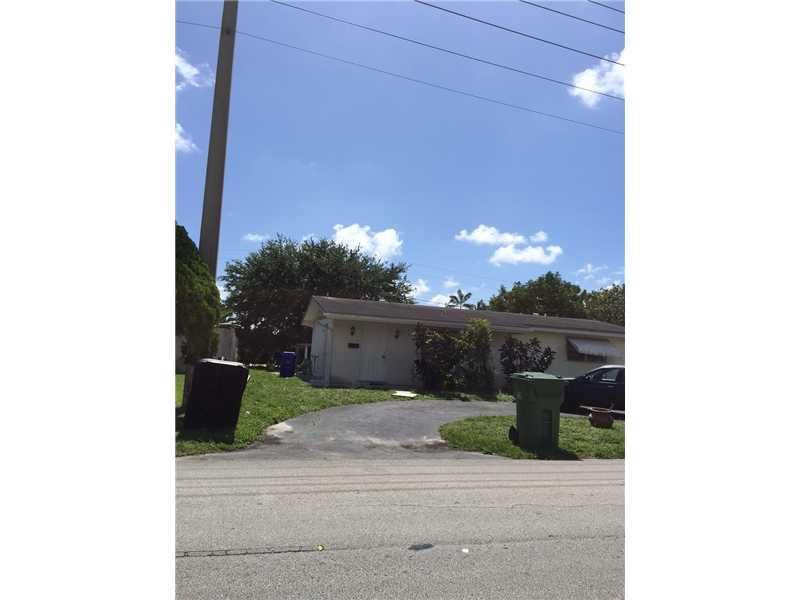 1121 NW 85th Way, Pembroke Pines, FL 33024