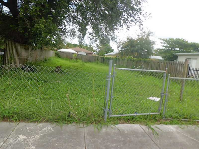 2317 NW 55th St, Miami, FL 33142