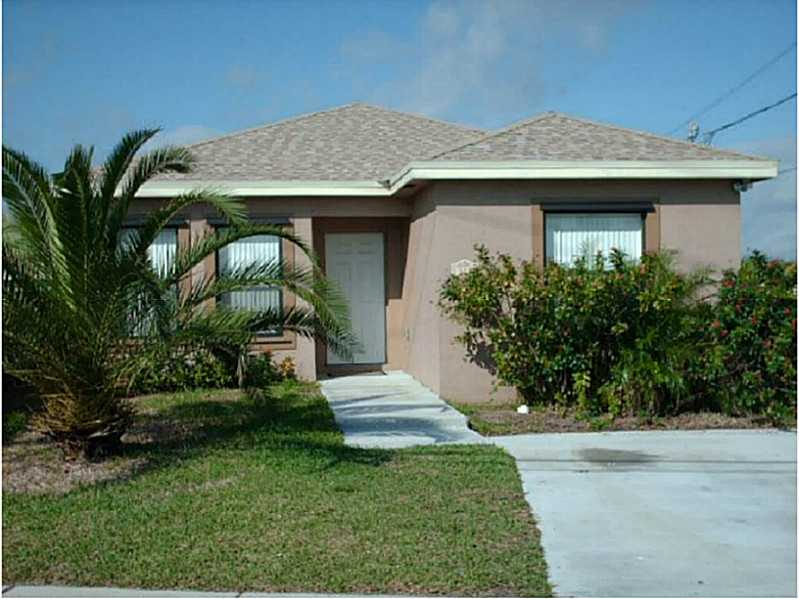 322 Phippen Rd, Dania, FL 33004