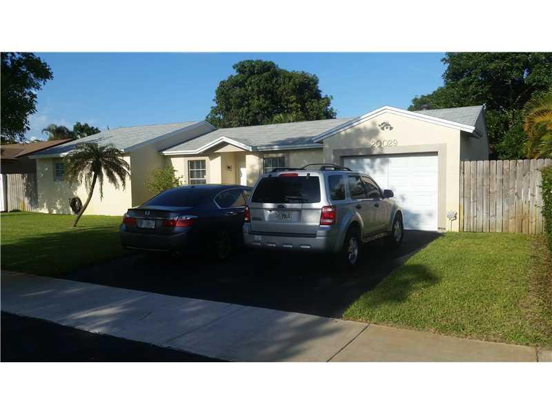 20029 Nw 57th Pl, Hialeah, FL 33015