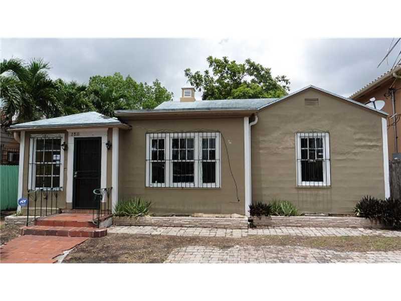 2811 Sw 3rd St, Miami, FL 33135